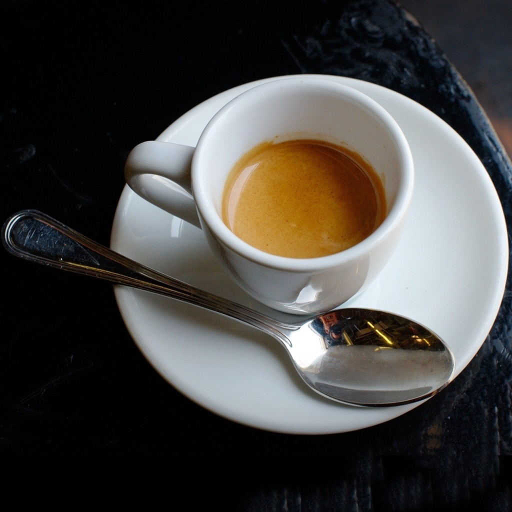 an overview of expresso espresso Water: your espresso will taste only as good as the water you start with sediment, scale, and unwelcome minerals will doom your drink and your equipment if they're not dealt with up front, so, before you get too far, learn about the quality of your water.